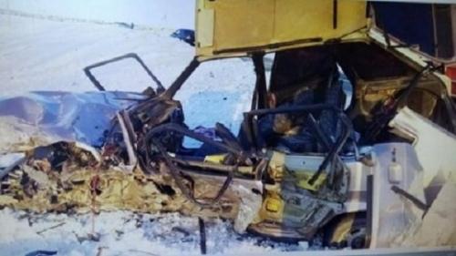 В Сосновском районе в ДТП погиб водитель «Лады». Его автомобиль превратился в груду искорёженного металла