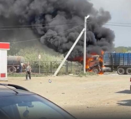 В Сосновском районе сгорел мусоровоз. Причины возгорания выясняет полиция